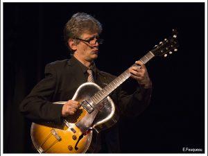 Gilles Réa (guitare solo)